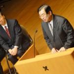 慶大 清家塾長(左)と早大 山川理工学術院長(右)
